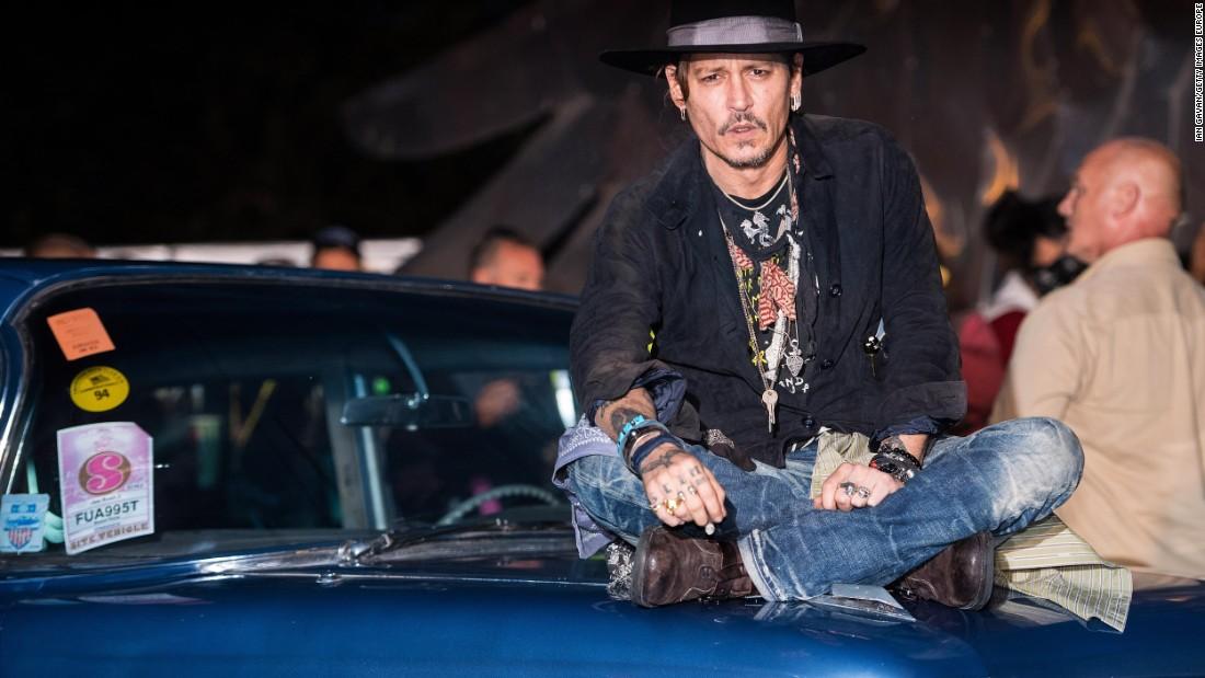 Johnny Depp apologizes for assassination joke