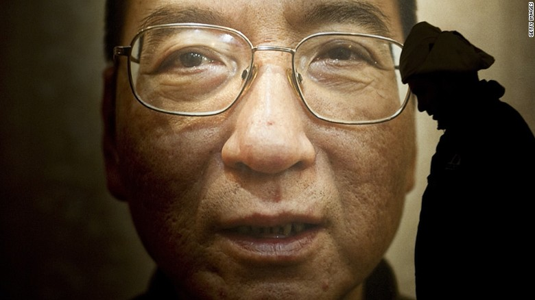Chinese dissident given medical parole