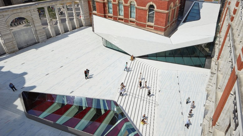V&A Museum reveals porcelain courtyard