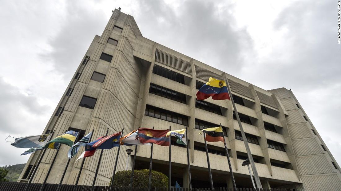 Venezuela's Maduro: Helicopter attacked Supreme Court