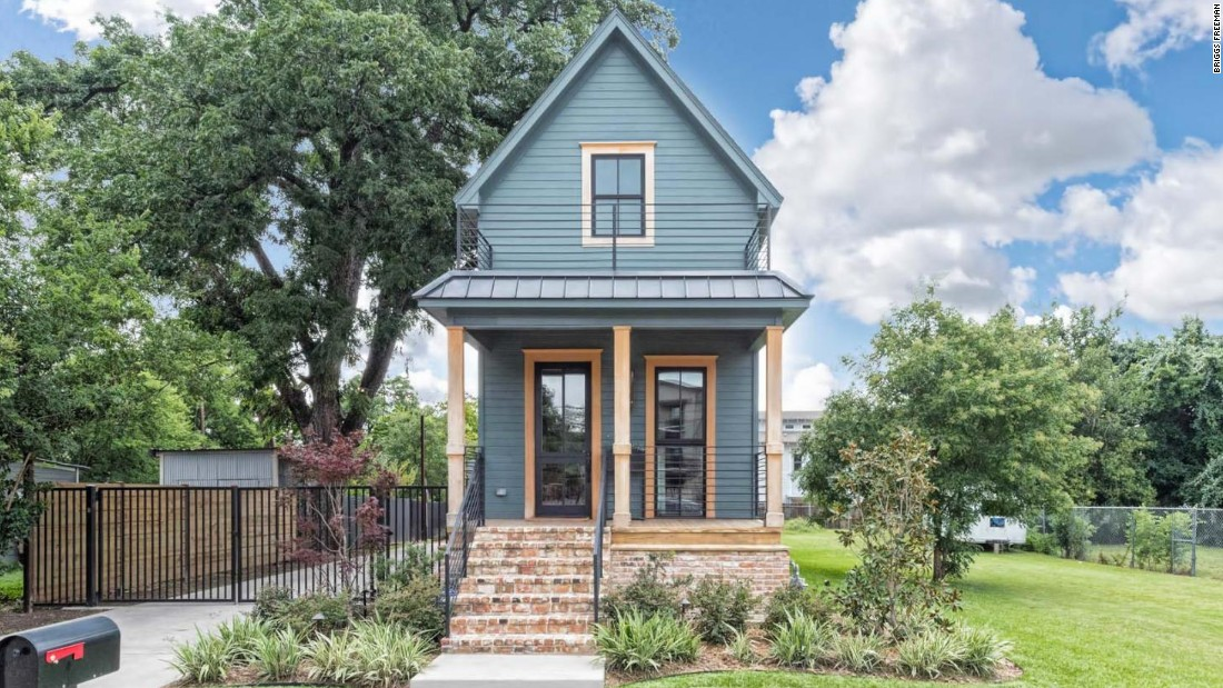1 bed Fixer Upper home lists for 950K CNN Video