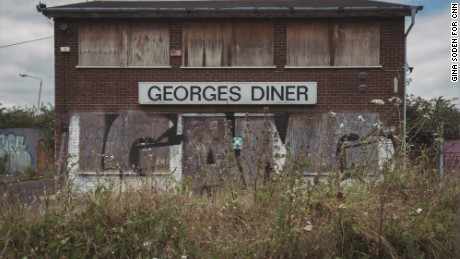 'Georges Diner' (sic) stands abandoned in Silvertown.