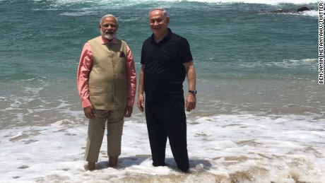 Netanyahu Accepts Modi's Invitation to Visit India, Leaders Ink Cooperation Deals