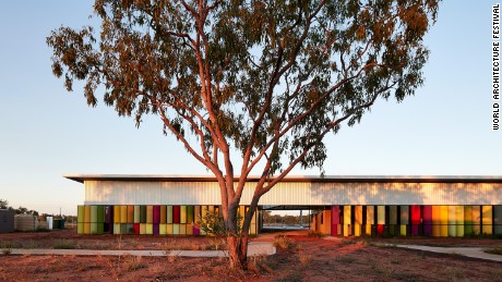 The Fitzroy Crossing Renal Hostel by Iredale Pedersen Hook Architects