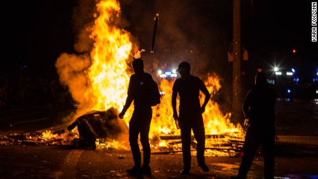 Anarchists started fires in the Sternschanze district on Friday.