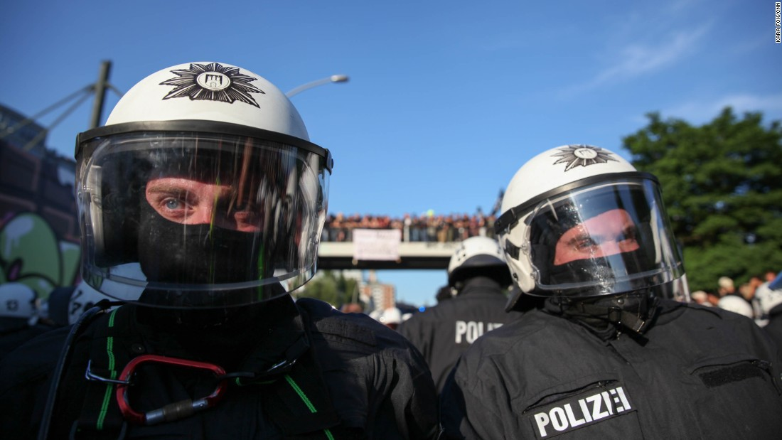 15,000 riot police were initially deployed for the summit but on Friday, Hamburg Police called for an extra 1,000 to provide additional support.