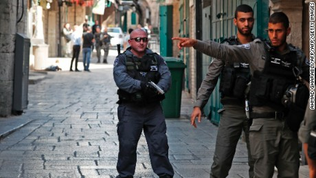 Israel removes flashpoint holy site metal detectors