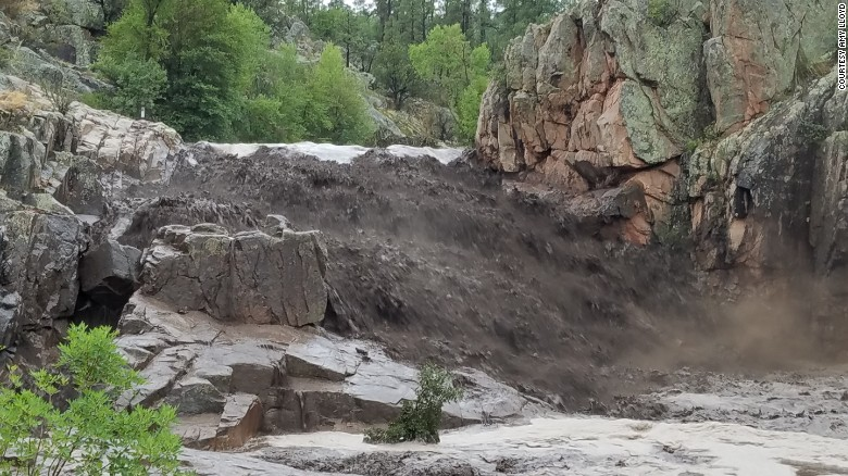 At Least Nine Die In Arizona Flash Flooding