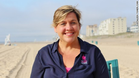 CNN Hero Jeanine Patten-Coble started Little Pink Houses of Hope to provide free week-long vacations for families affected by breast cancer, giving them a chance to escape, heal and have fun together.