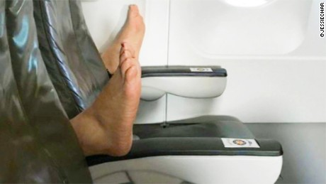 Passenger: Bare feet on flight was a 'nightmare'