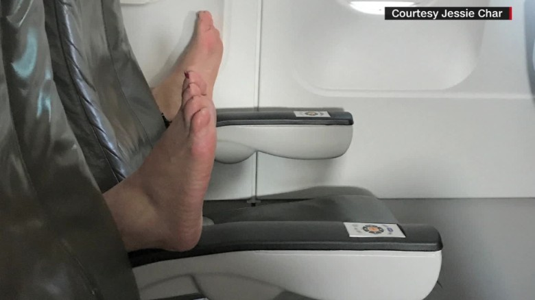 jetblue passenger feet surprise jessie char intv ac_00034002