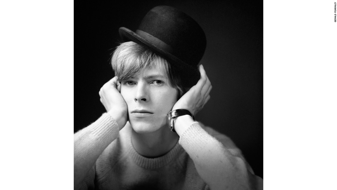 "The photos were shot by <a href=""https://www.accpublishinggroup.com/uk/store/pv/9781851498642/bowie-unseen/gerald-fearnley/"" target=""_blank"">Gerald Fearnley</a>, the brother of Dek Fearnley (one of Bowie's bandmates at the time)."