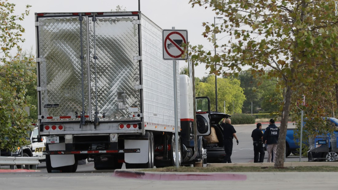 San Antonio driver says he didn't know immigrants were in truck