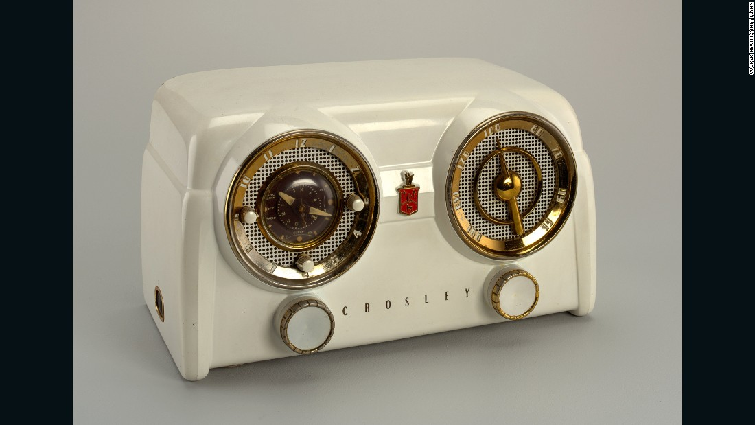 By the mid-20th century the automobile had become commonplace in American lives. This radio, from famed brand Crosley, reflected the nation's growing love affair with the car with its hubcap-inspired dials.
