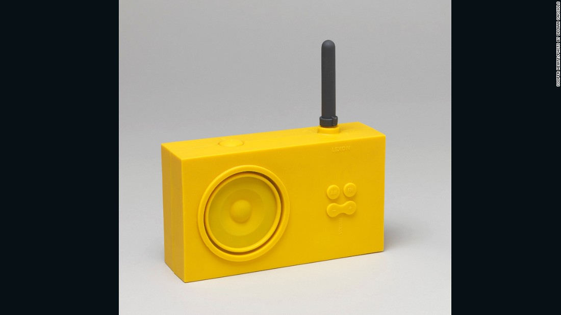 As the technology around radios began to stall, aesthetic became more important than introducing new features. French brand Lexon introduced this radio in 1997, which breathed new life into the medium with its retro design and waterproof material.