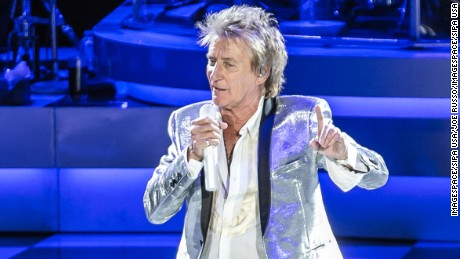Rod Stewart performs at the PNC Bank Arts Center in Holmdel, NJ. (Photo by Joe Russo / imageSPACE). *** Please Use Credit from Credit Field **