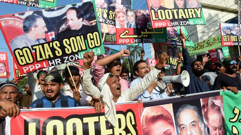 Supporters of the Pakistan Peoples Party (PPP) take part in a protest against Prime Minister Nawaz Sharif in Lahore on July 23, 2017.