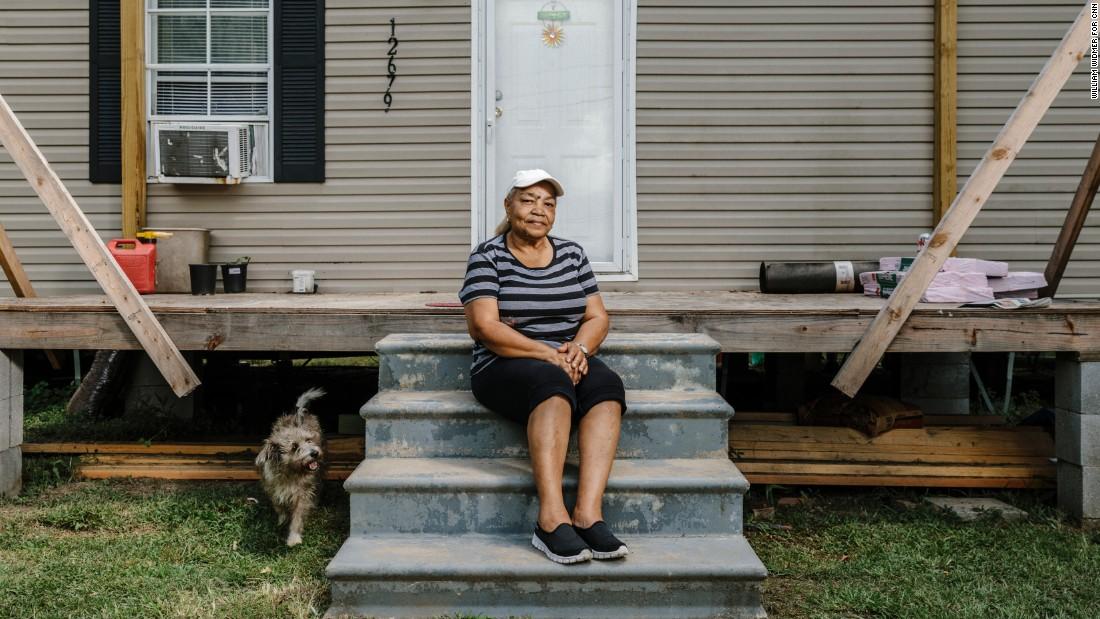 Carolyn Ruffin lives with her grandchildren in Arcola, Louisiana.