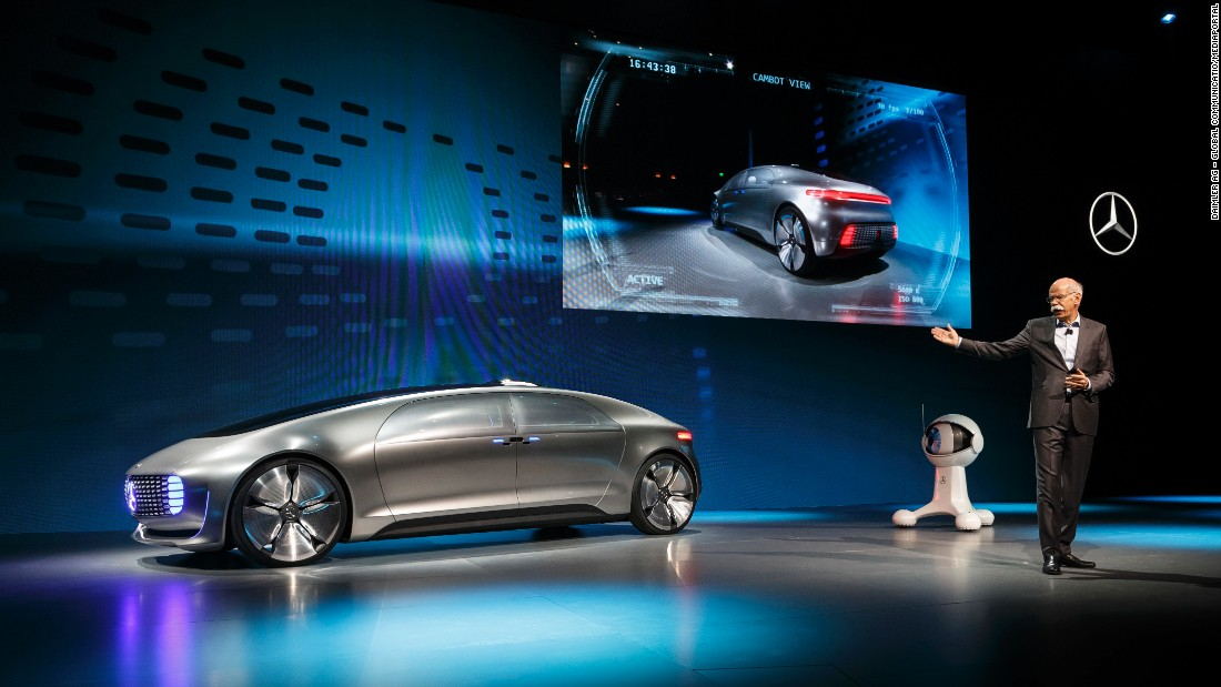 The F 015 was introduced by Mercedes boss Dieter Zetsche at the Consumer Electronics Show back in 2015.