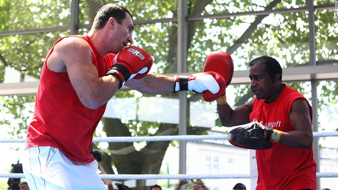 Klitschko spars with his long-term coach Emanuel Steward. The pair worked together from 2004 to Steward's death in 2012.