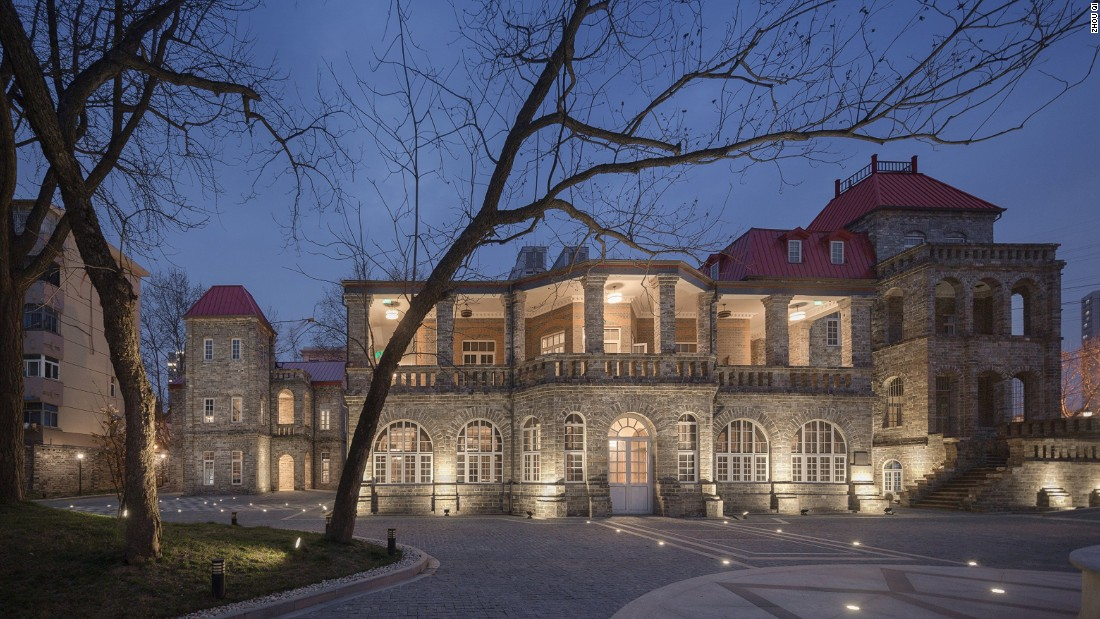 The Yangtze Villa Hotel was built using 600-year-old bricks taken from Nanjing's city wall after it was destroyed in 1911. Zhou Qi began a four-year restoration process in 2012, and the hotel is back in use once again.