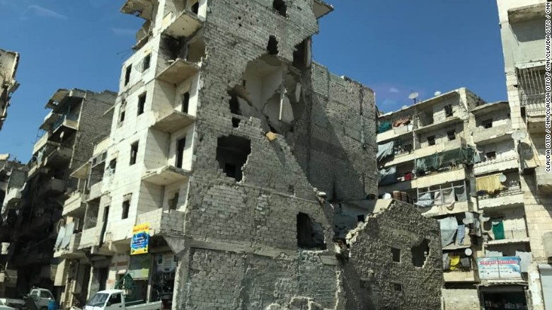 War-ravaged Syrian city slowly rebuilds