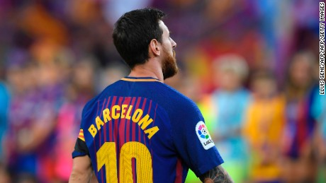 "Lionel Messi's jersey reads ""Barcelona"" instead of his name in tribute to the victims of the recent terror attacks."
