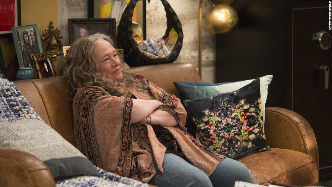 Netflix Pot Comedy 'Disjointed' Runs On Fumes