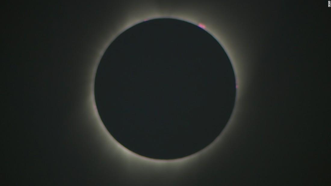 170821131711 08 eclipse 0821 totality begins super tease
