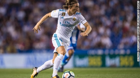 LA CORUNA, SPAIN - AUGUST 20: Luka Modric of Real Madrid in action during the La Liga match between Deportivo La Coruna and Real Madrid at Riazor Stadium on August 20, 2017 in La Coruna, Spain. (Photo by Octavio Passos/Getty Images)