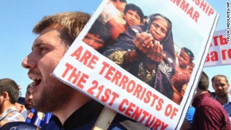 Muslim world denounces Myanmar's treatment of Rohingya; West reticent