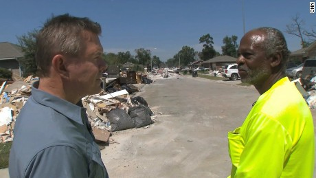 Houston resident Lathan Oliver told CNN's Martin Savidge he's thankful no one died in his neighborhood during Hurricane Harvey