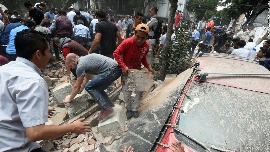 7.1 earthquake hits central Mexico - CNN Video