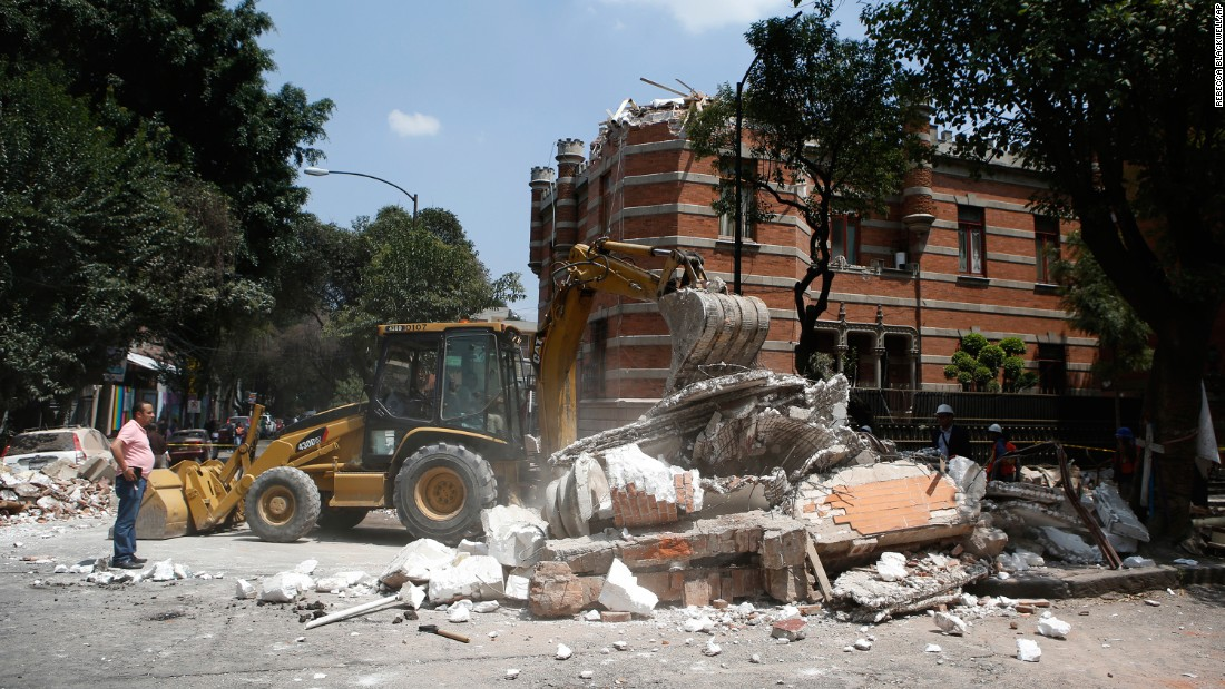 Earthquake kills dozens in central Mexico - CNN Video