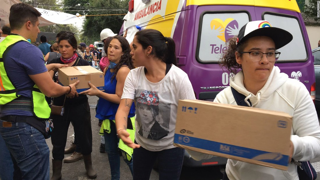Mexico City school collapse: Race to reach trapped girl intensifies