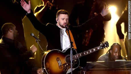 Justin Timberlake performs onstage at the 49th annual CMA Awards at the Bridgestone Arena on November 4, 2015 in Nashville, Tennessee.