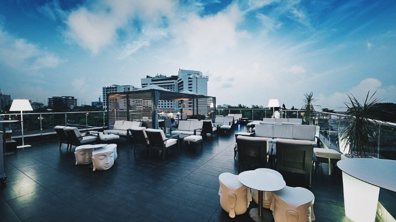 Rooftop Fahrenheit Loft club.