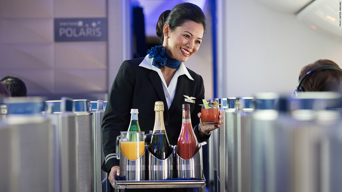 United Airlines' Polaris business class: Behind the scenes | CNN ...