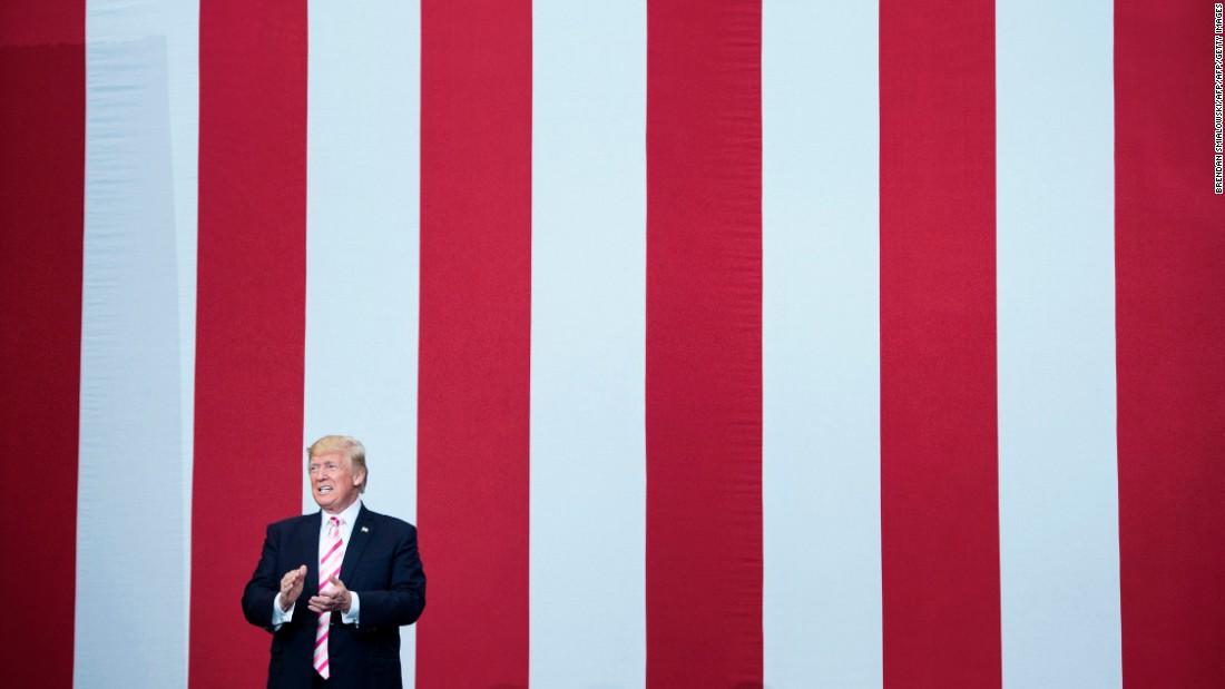 Trump touts his Twitter use at Alabama rally