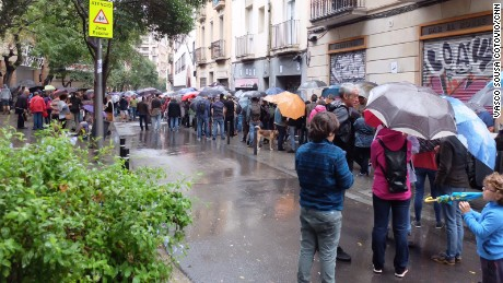 Protests across Spain for and against Catalan independence