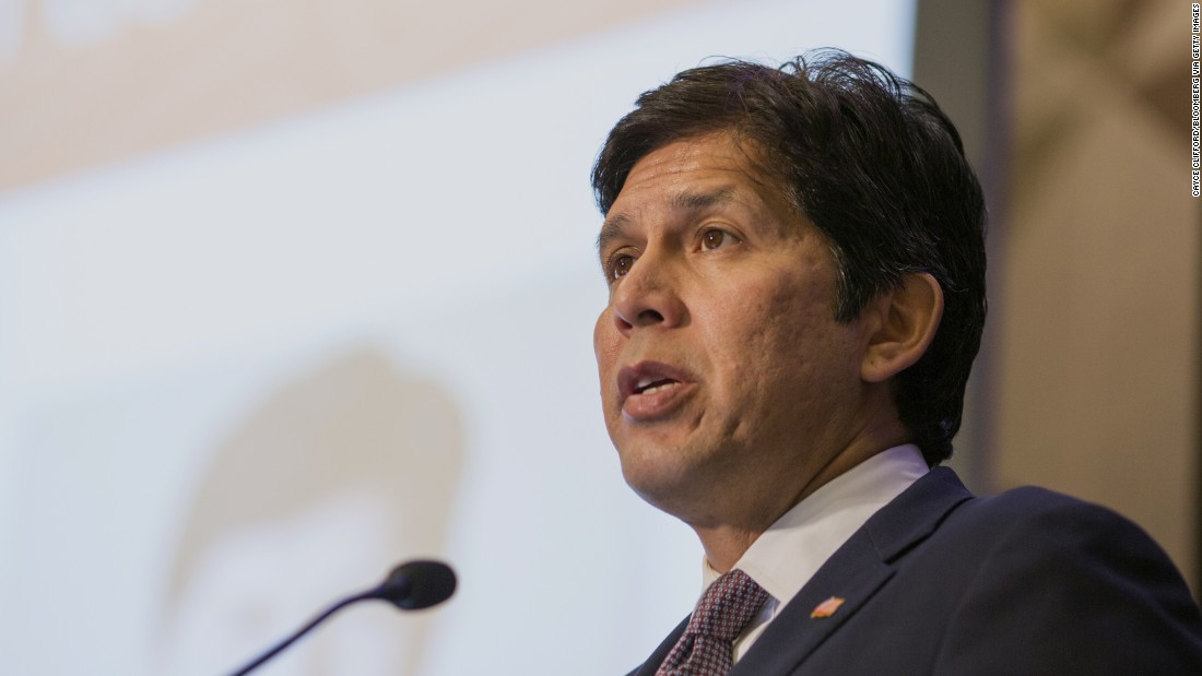 Kevin de León, California Senate leader, intends to challenge Sen. Dianne Feinstein