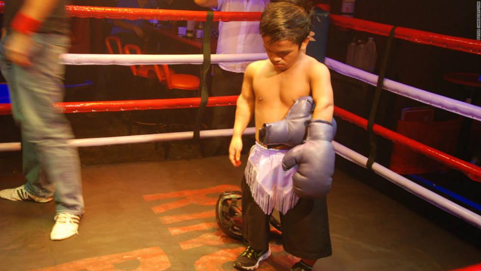 Wrestling manila midget