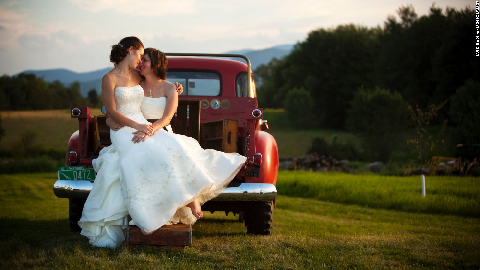 Gay and lesbian wedding photography
