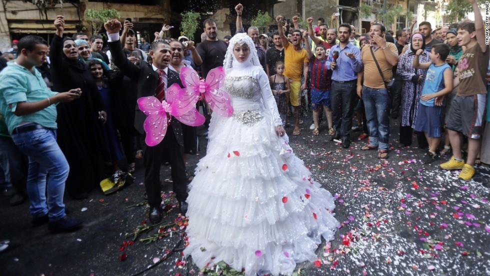 Wedding Traditions Around The World: Something Borrowed: Wedding Traditions From Around The