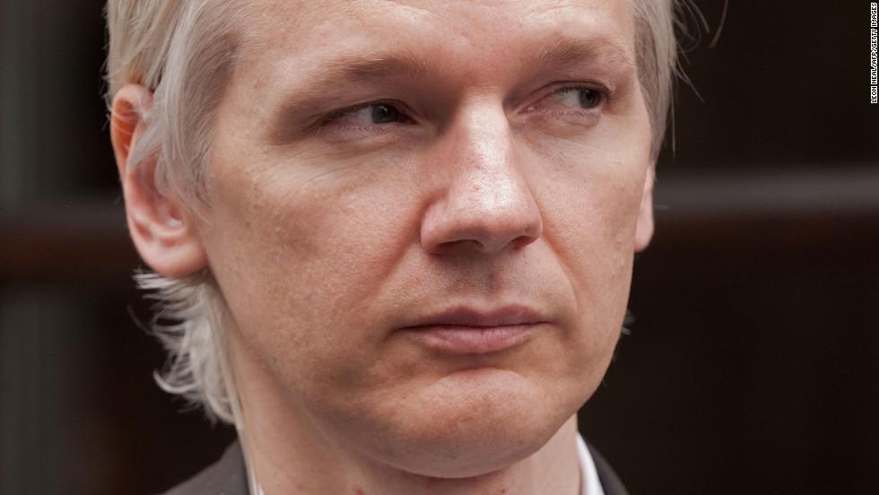 Julian Assange, WikiLeaks, dan Bradley Manning-Sang Pembocor Dokumen