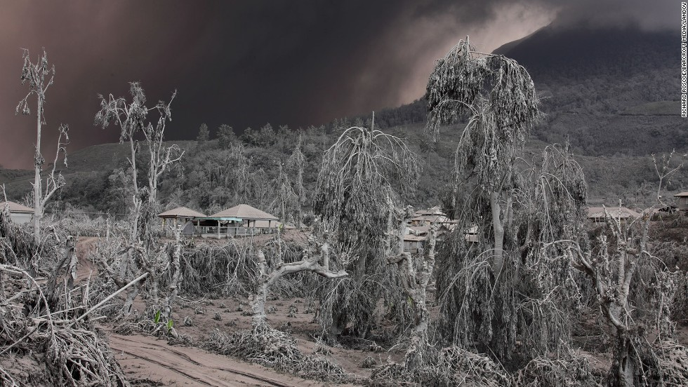 Volcanic ash smothers part of Indonesia, kills 15 - CNN.com
