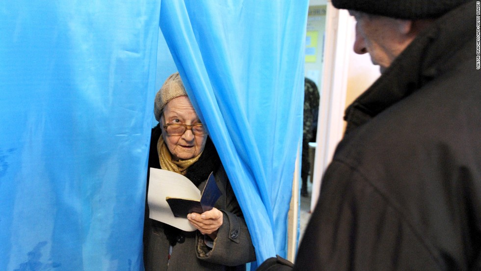 Ukrainian Women Voter 22