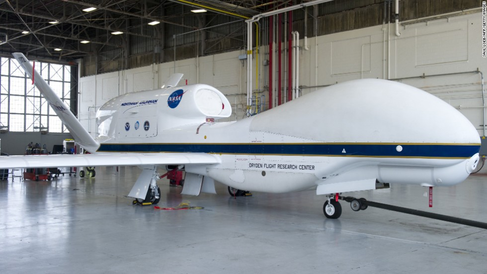 a nasa aircraft in hangar - photo #23