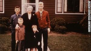Sandy Halperin's paternal grandmother Bessie, center, also had Alzheimer's disease.