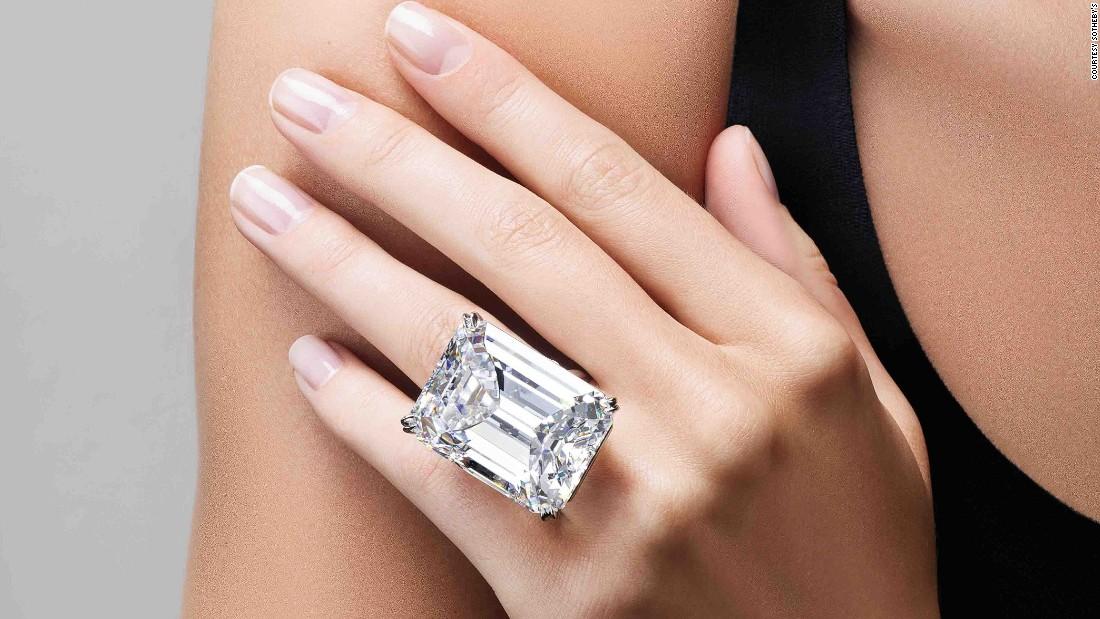 Green diamond rings for women